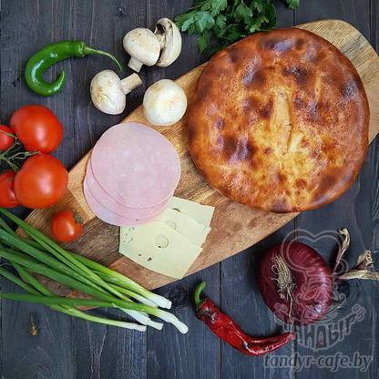 Пирог с ветчиной, грибами и сыром на дрожжевом тесте