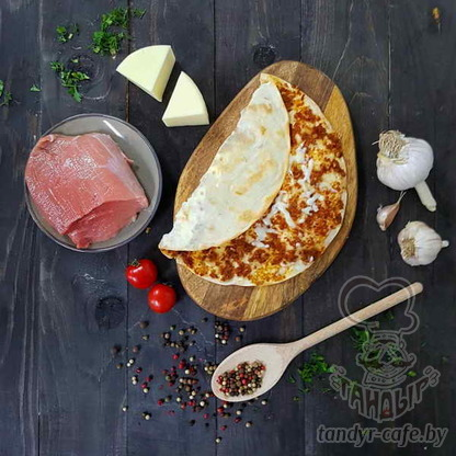 Ламаджо с сыром