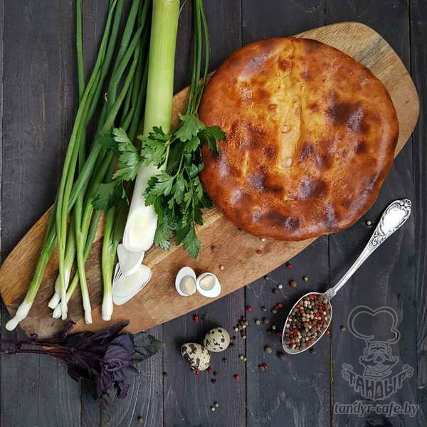 Пирог с яйцом, зеленью и луком на дрожжевом тесте